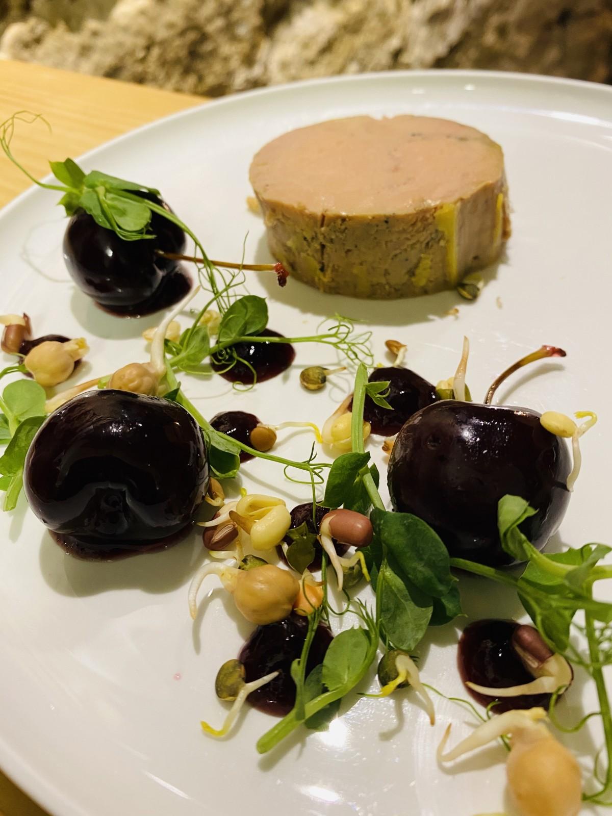Le Foie Gras Cuit par Nos Soins, Pulpe Figue Et Coings Earl Grey…
